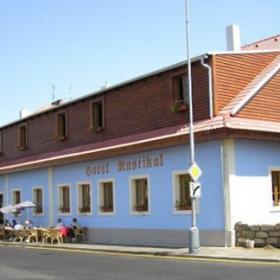 Hotel Rustikal Detenice Hotely A Motely Cesky Raj Detenice